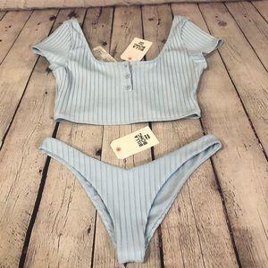 NWT Billabong high leg crop top bikini set